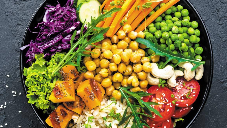Kā uzņemt organismam nepieciešamos vitamīnus sportistiem – veģetāriešiem?